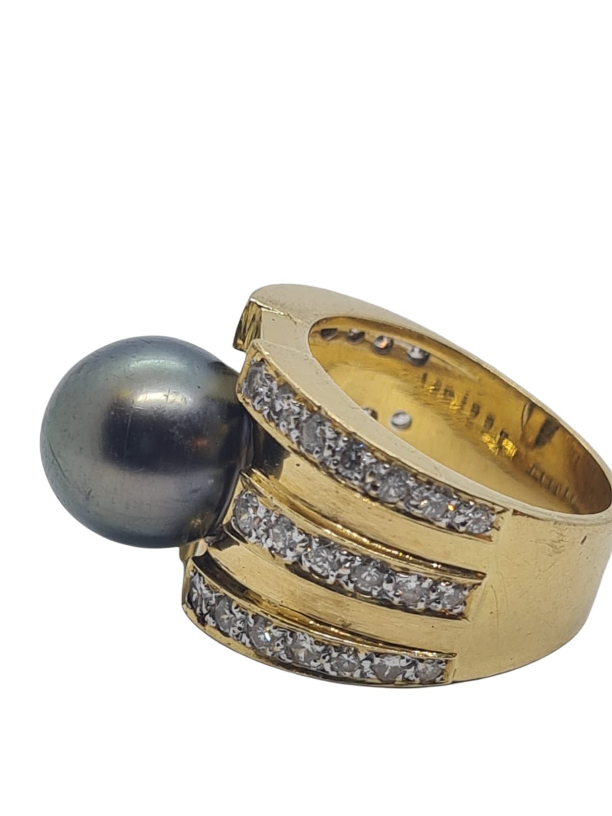 18k yellow gold with Tahitian pearl centre and decorated with 1.50ct diamonds approx, weight 12.8g - Image 3 of 9