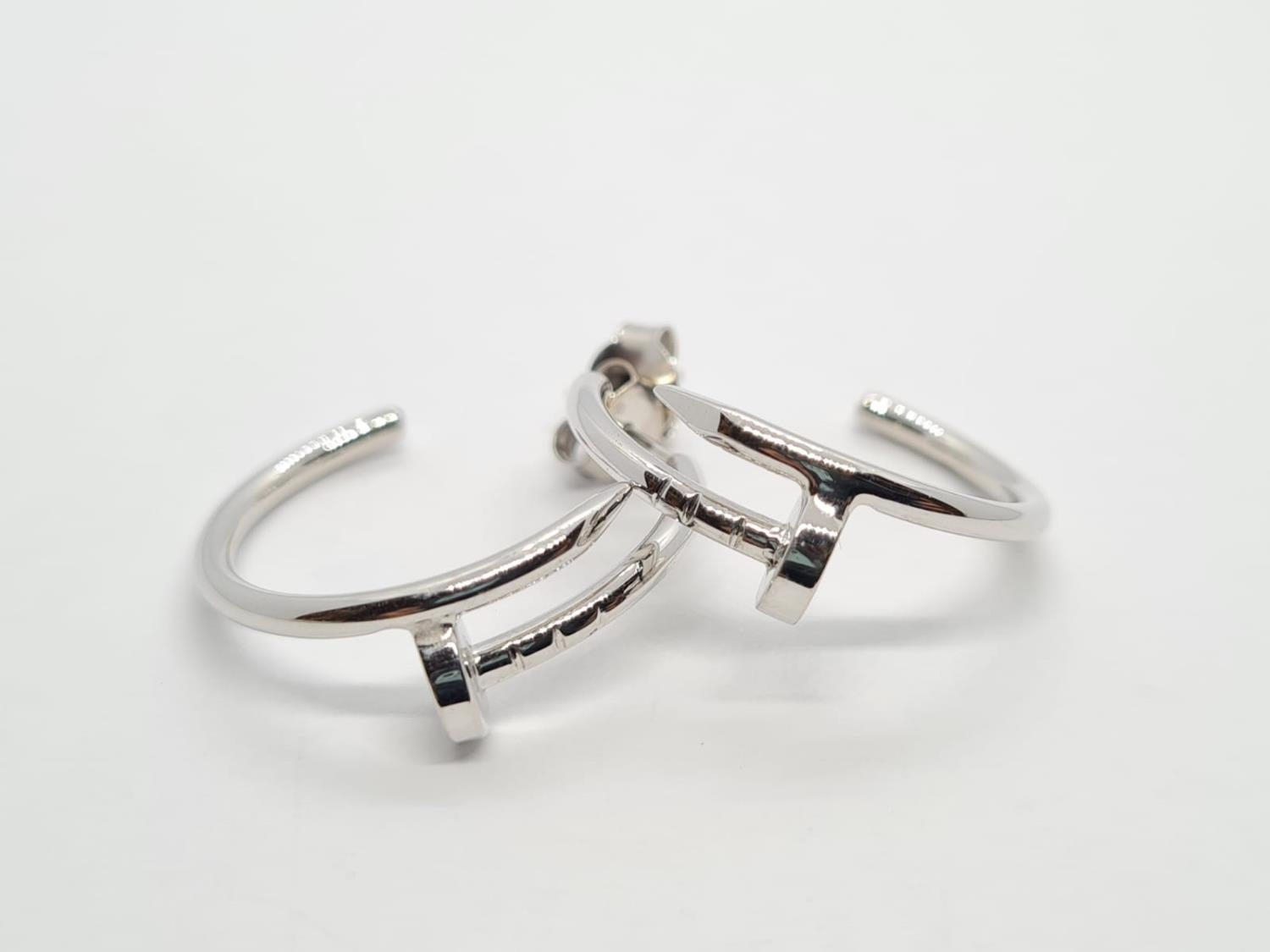 PAIR OF 9CT WHITE GOLD CARTIER STYLE EARRINGS, WEIGHT 5.5G