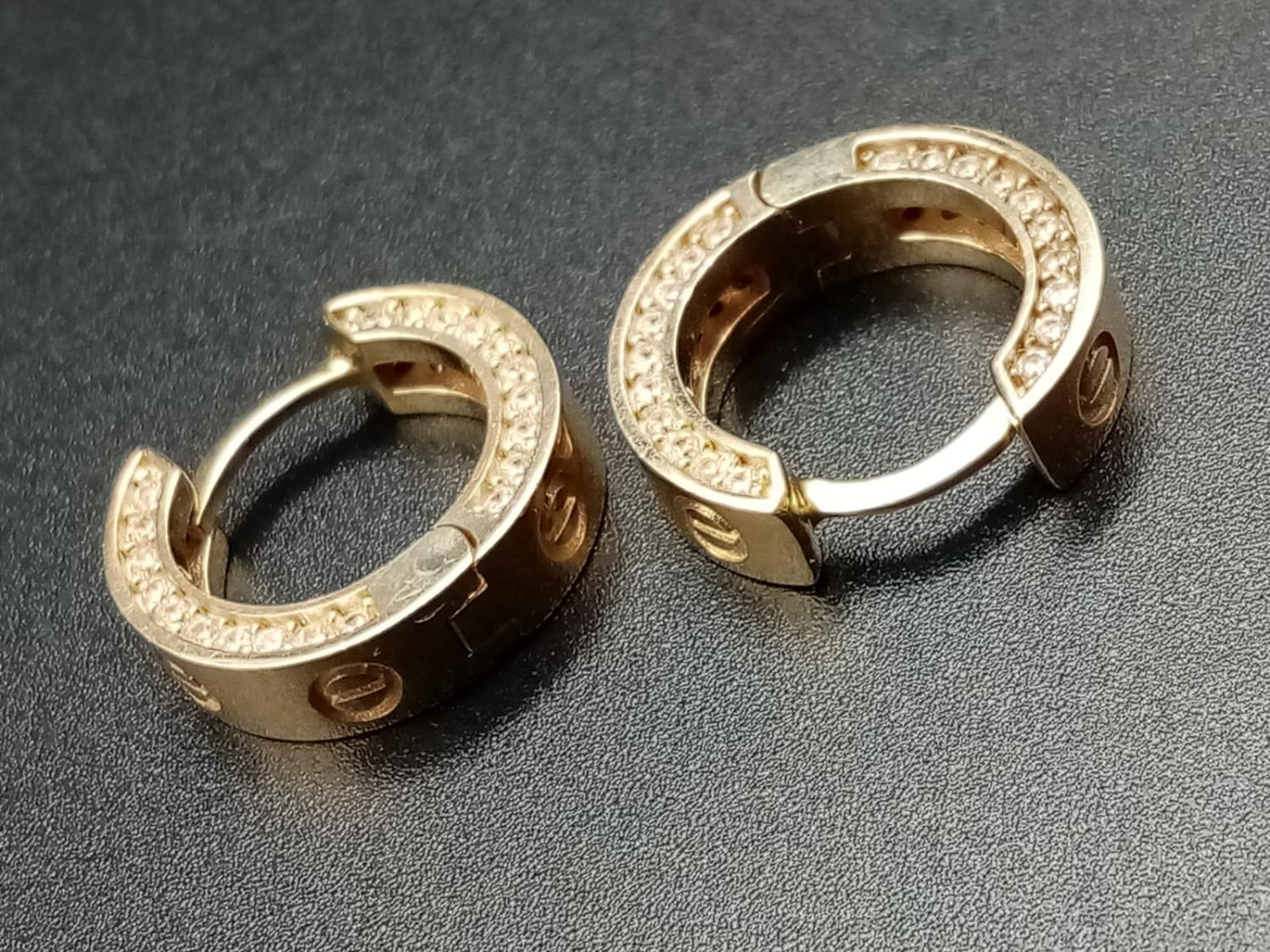 9CT YELLOW GOLD CZ SET CARTIER STYLE MINI HOOP EARRINGS, WEIGHT 4.8G - Image 3 of 5