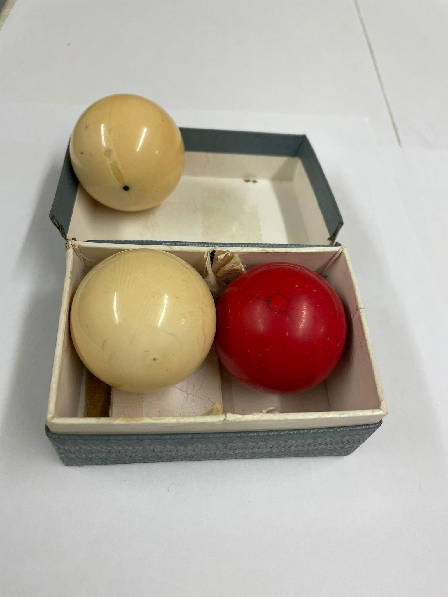 Antique ivory snooker billiard balls x3 - Image 3 of 3