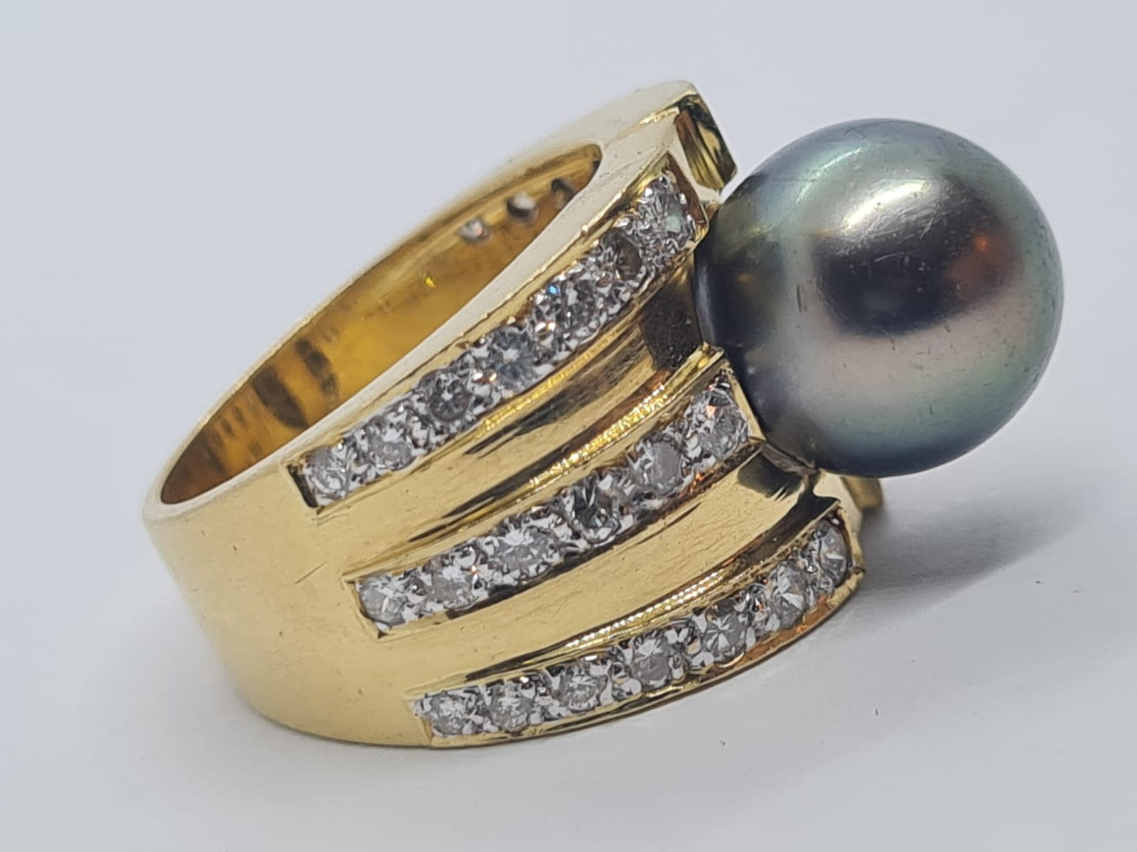 18k yellow gold with Tahitian pearl centre and decorated with 1.50ct diamonds approx, weight 12.8g - Image 5 of 9