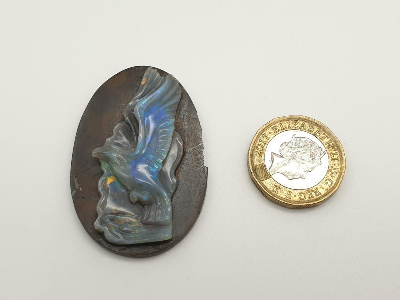 Opal hand carved eagle on natural rock - Image 4 of 4