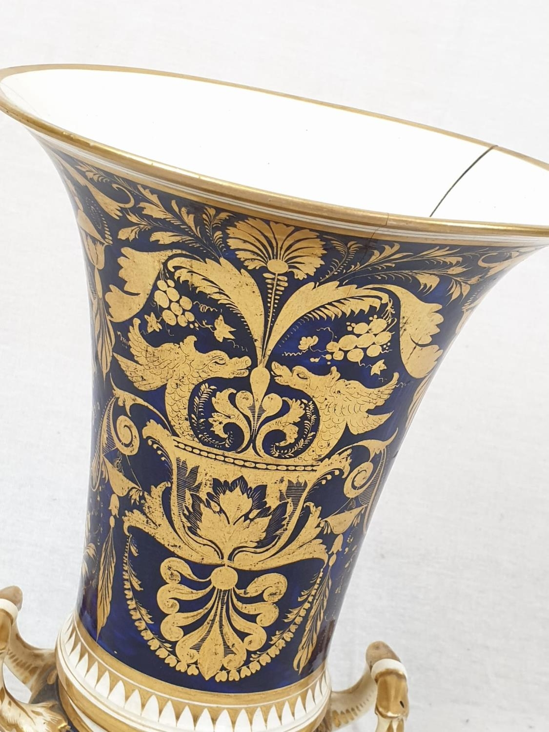 Royal Derby (Crown): In Spain Vase. Spanish 1830. Beautifully Decorated but damaged firing cracks. - Image 5 of 11