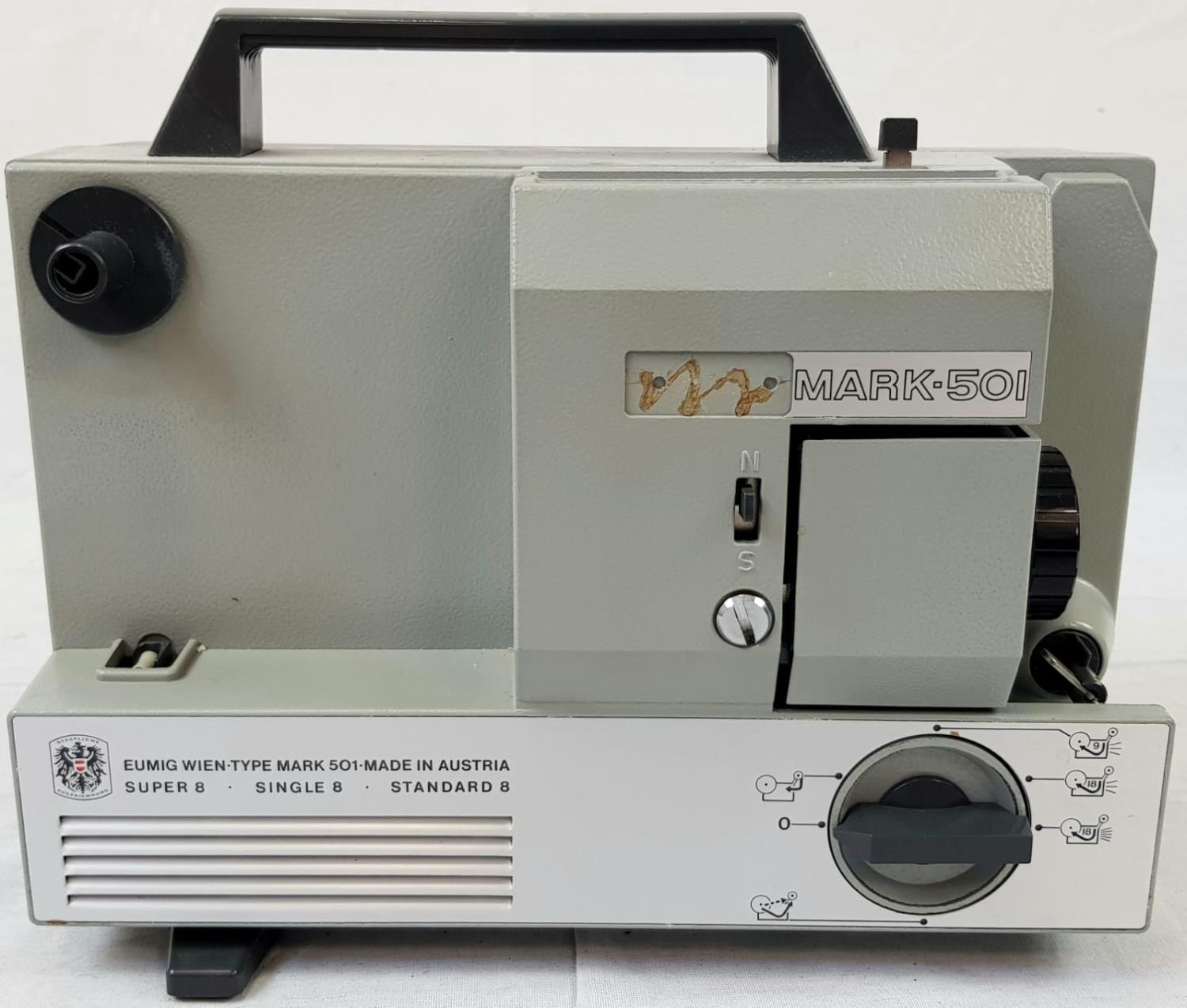 EUMIG 8MM PROJECTOR IN WORKING ORDER PLUS A COLLAPSABLE SCREEN(slight damage but still usable - Image 2 of 6