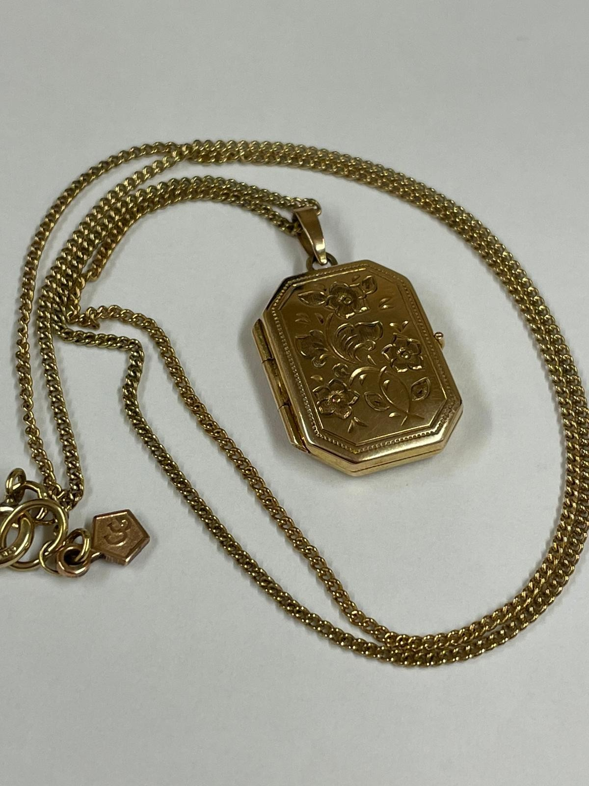 Vintage Clogau 9k yellow gold chain and locket , fully hallmarked.