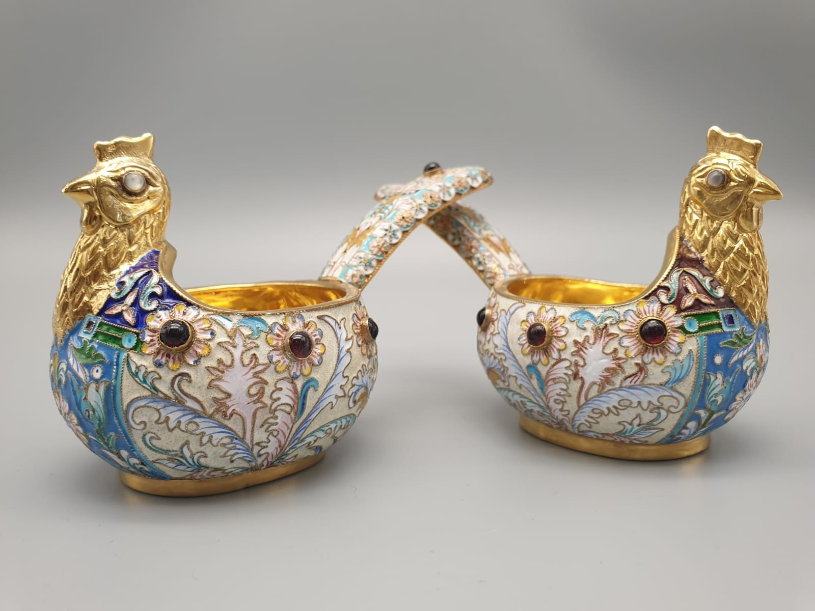 Pair of Russian 20th century silver enamel gemset kavosch bowl in the form of birds, an exquisite