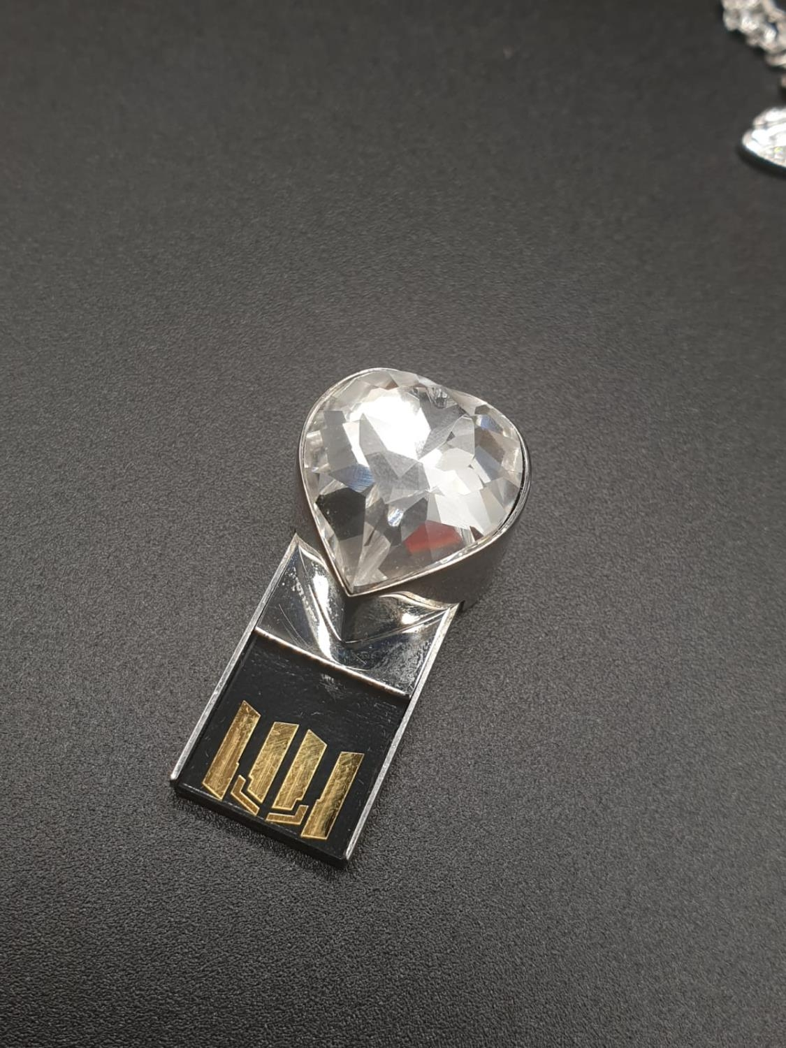 Swarovski Women's Metallic Active Crystal Heart-Shaped Pendant with built-in 8GB USB. 76cm As new, - Image 5 of 10