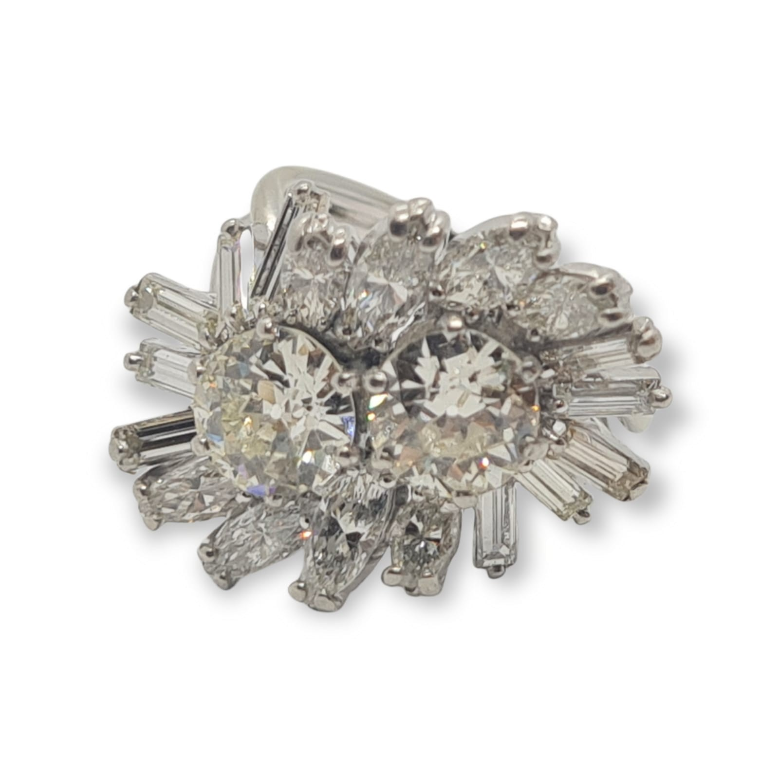 18k white gold diamond cluster ring with approx over 5ct diamonds in total, weight 10g and size M1/2