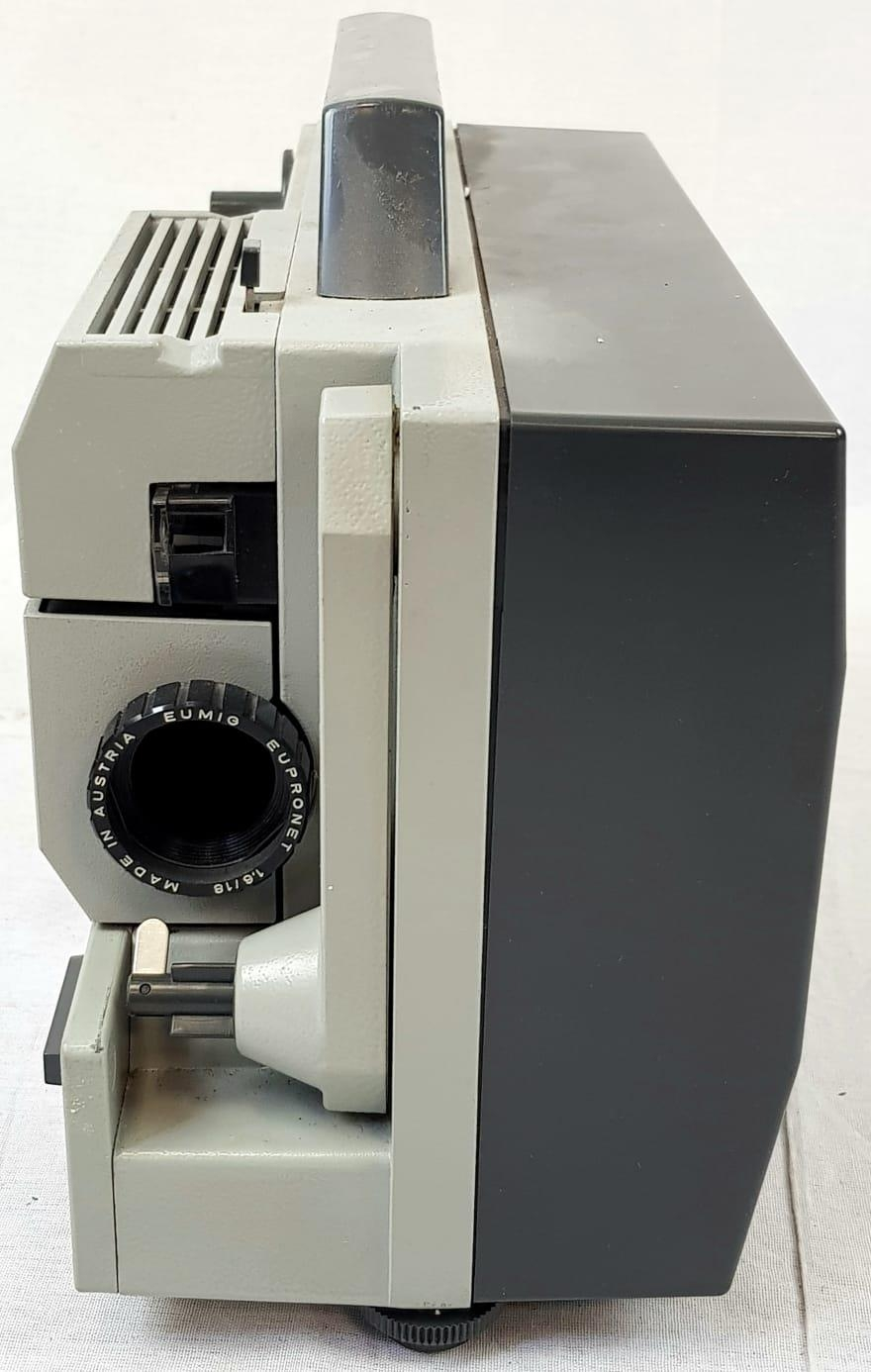 EUMIG 8MM PROJECTOR IN WORKING ORDER PLUS A COLLAPSABLE SCREEN(slight damage but still usable - Image 3 of 6