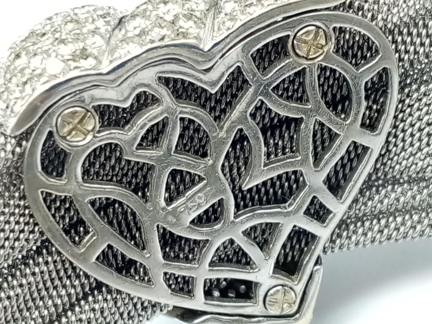 an 18k white gold bracelet with 10 diamonds and a diamond encrusted heart. 53.4gms 19cms - Image 10 of 10