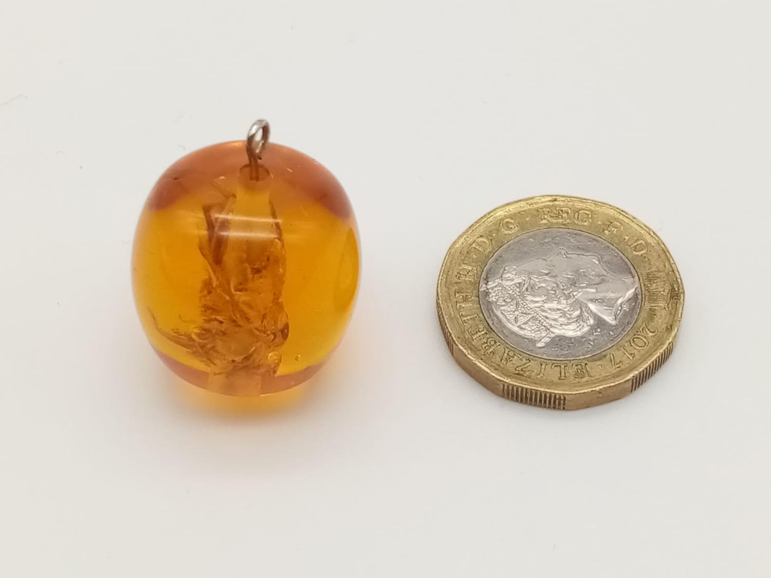 Large amber pendant with bee inside - Image 4 of 4