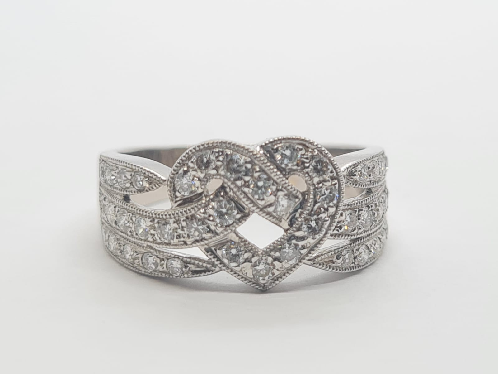 18k white gold heart design diamond ring, weight 4.4g and size L and approx 1ct diamonds