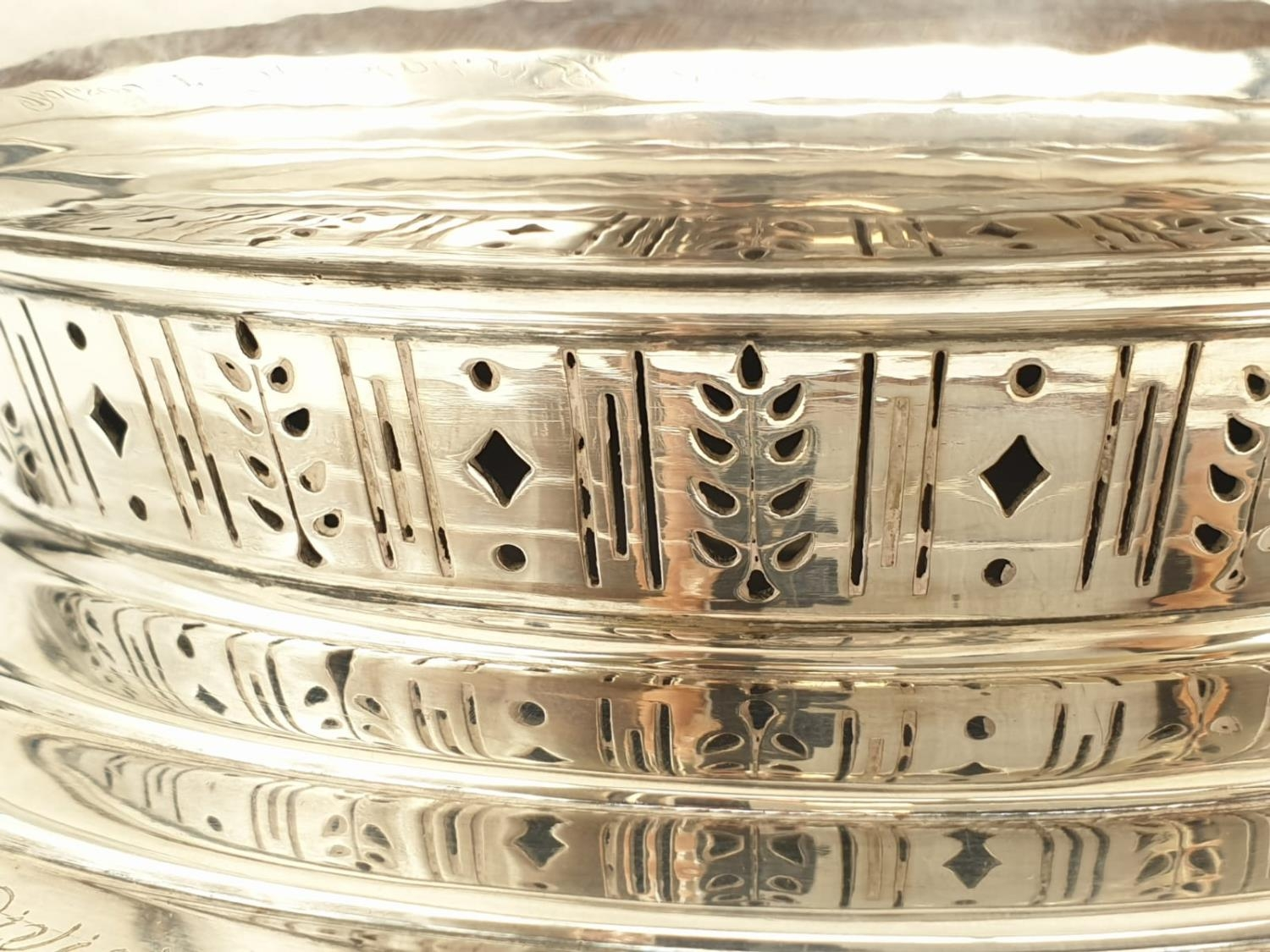Mappin and Webb Silver Rose Bowl (1938). Pierced Decoration, Oak Stand and Wire Web Top. Inscription - Image 4 of 12