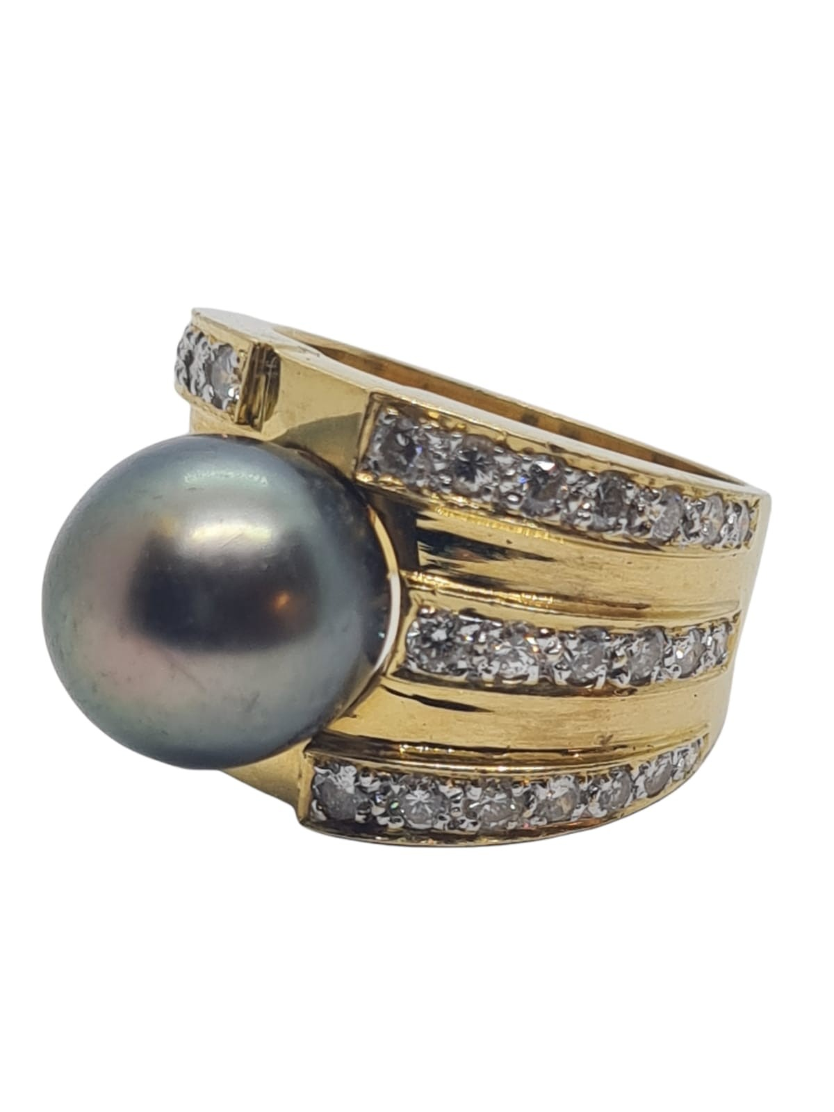 18k yellow gold with Tahitian pearl centre and decorated with 1.50ct diamonds approx, weight 12.8g - Image 2 of 9