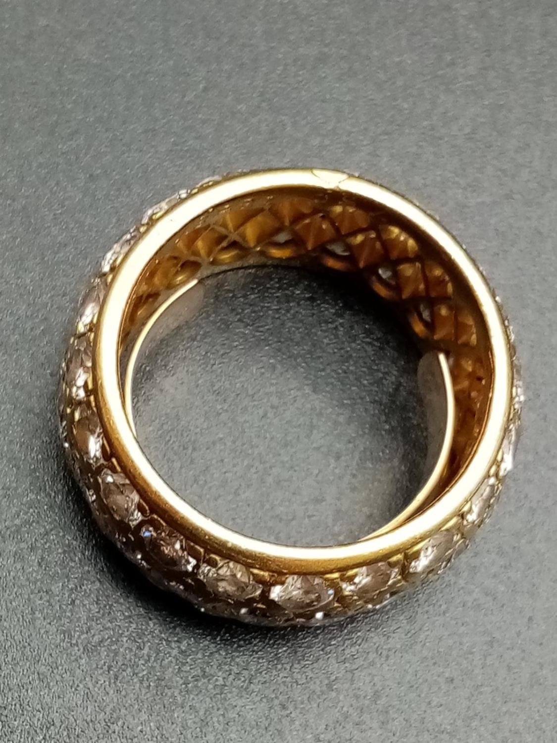 AN 18K ROSE GOLD BAND RING ENCRUSTED WITH DIAMOND STONES (APPROX 4CT) 10.3gms size k/l - Image 2 of 7