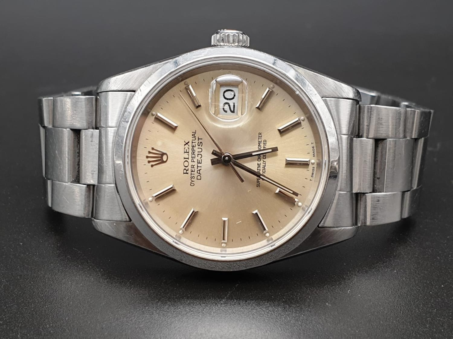 ROLEX OYSTER DATEJUST IN STAINLESS STEEL WITH ATTRACTIVE LIGHT OYSTER FACE, FWO 36MM - Image 4 of 10