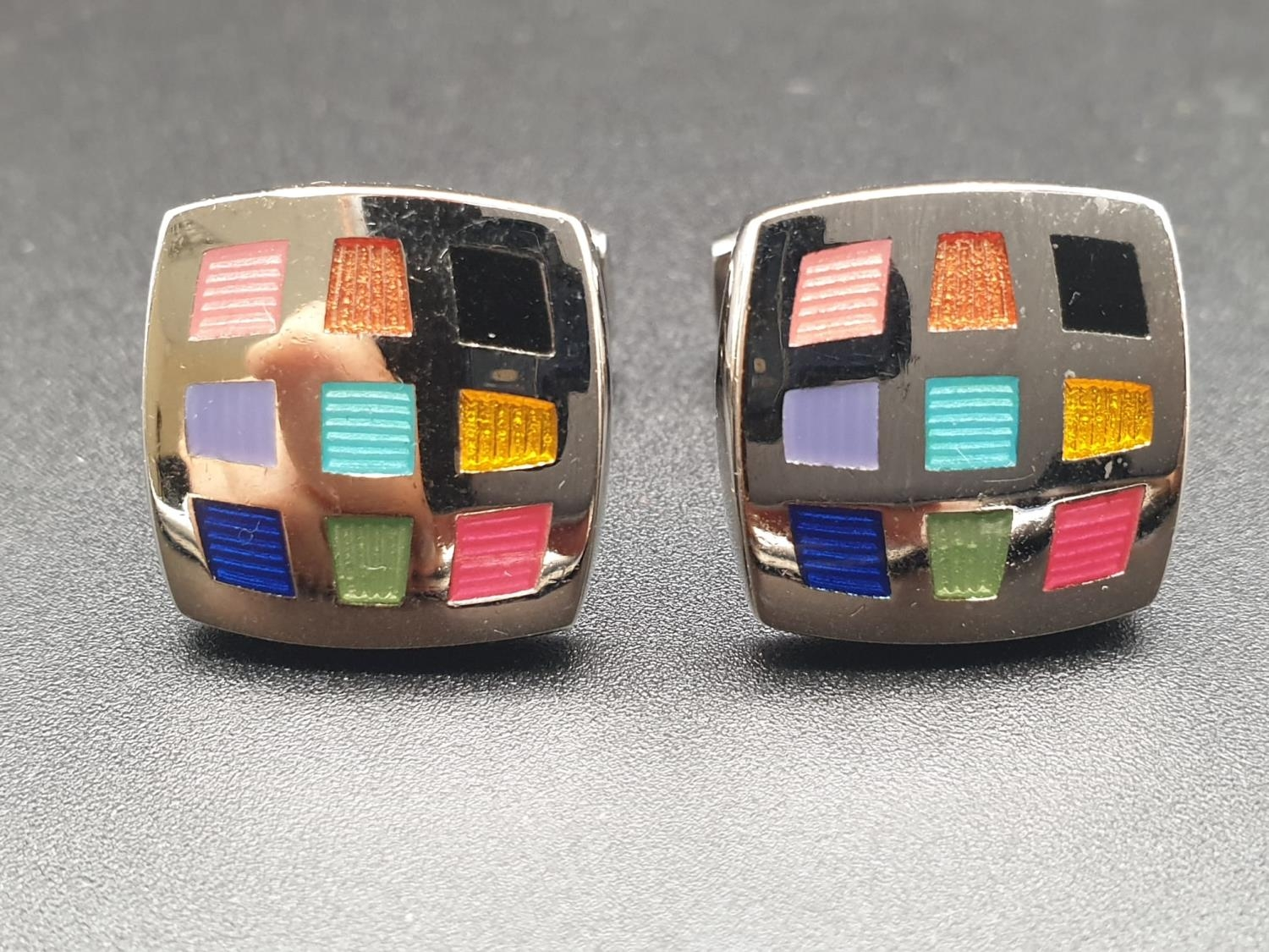 Pair of Duchamp Harlequin Cufflinks and a Gold Plated Stratton Tie clip - 6cm - Image 2 of 7