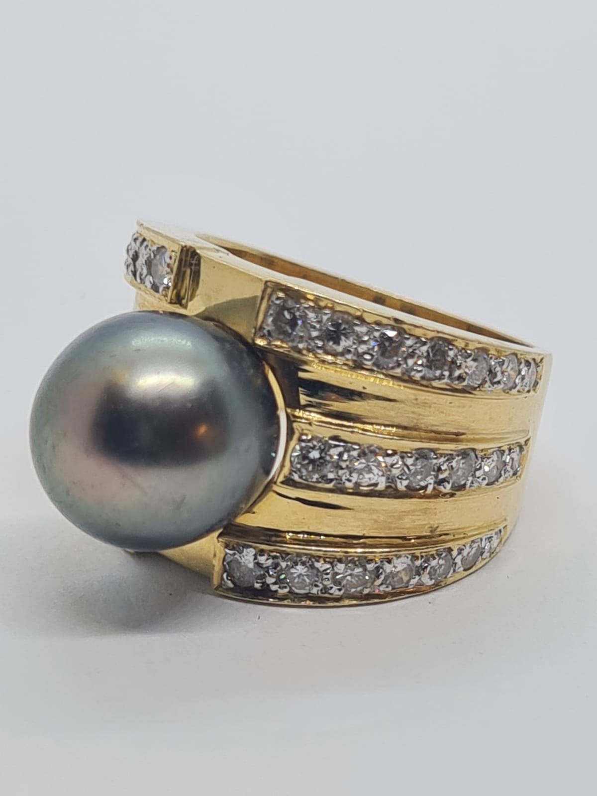 18k yellow gold with Tahitian pearl centre and decorated with 1.50ct diamonds approx, weight 12.8g - Image 4 of 9