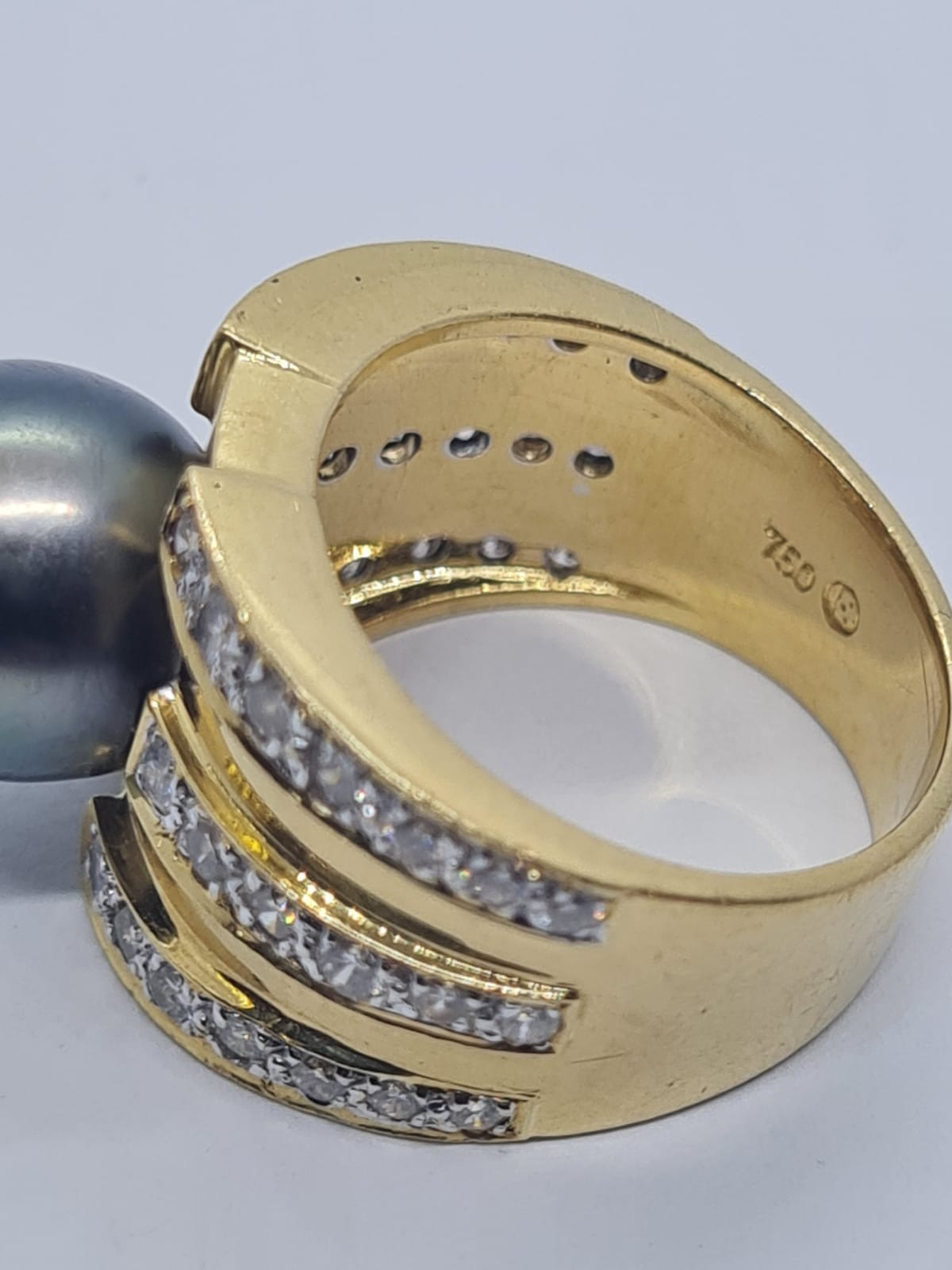 18k yellow gold with Tahitian pearl centre and decorated with 1.50ct diamonds approx, weight 12.8g - Image 8 of 9
