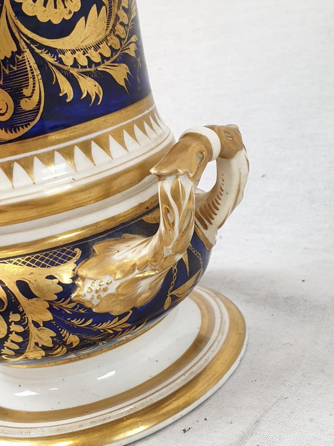 Royal Derby (Crown): In Spain Vase. Spanish 1830. Beautifully Decorated but damaged firing cracks. - Image 9 of 11