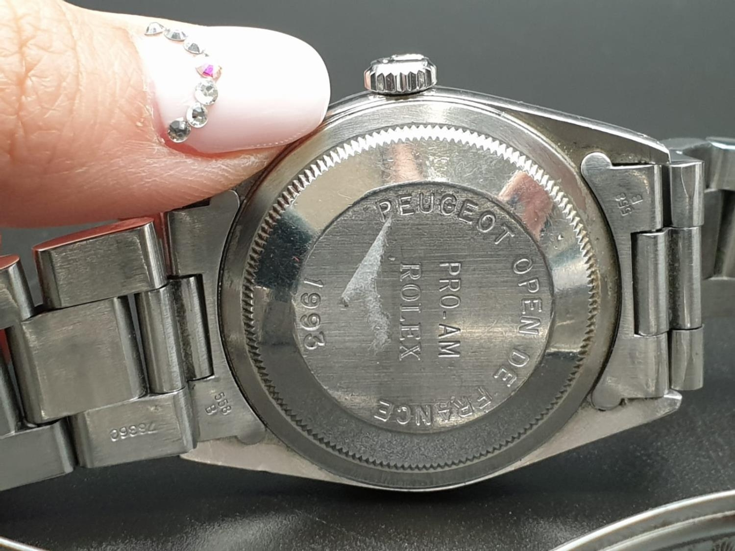ROLEX OYSTER DATEJUST IN STAINLESS STEEL WITH ATTRACTIVE LIGHT OYSTER FACE, FWO 36MM - Image 9 of 10