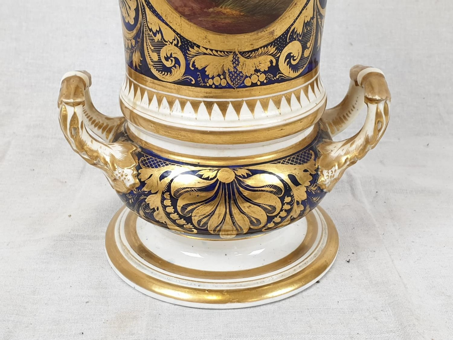Royal Derby (Crown): In Spain Vase. Spanish 1830. Beautifully Decorated but damaged firing cracks. - Image 8 of 11