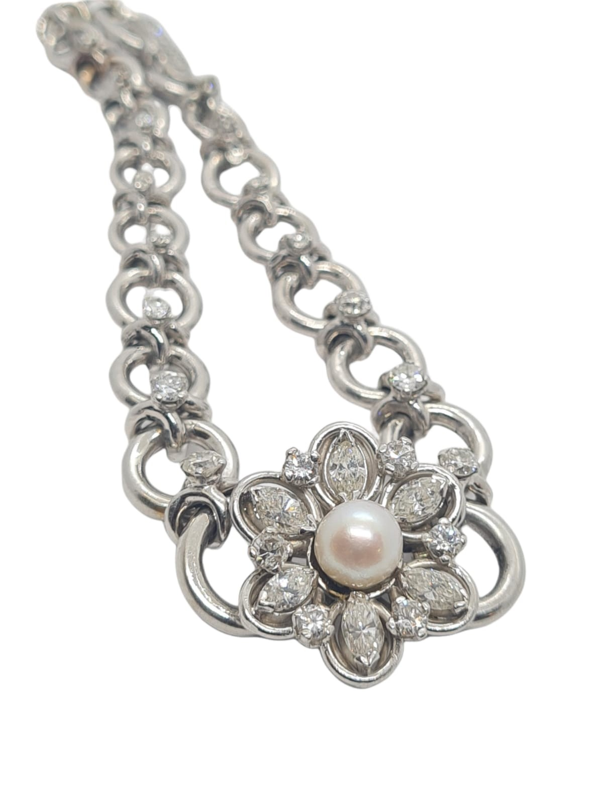 18k white gold French antique diamond and pearl set bracelet, flower design, weight 18.5g approx 2ct - Image 5 of 5