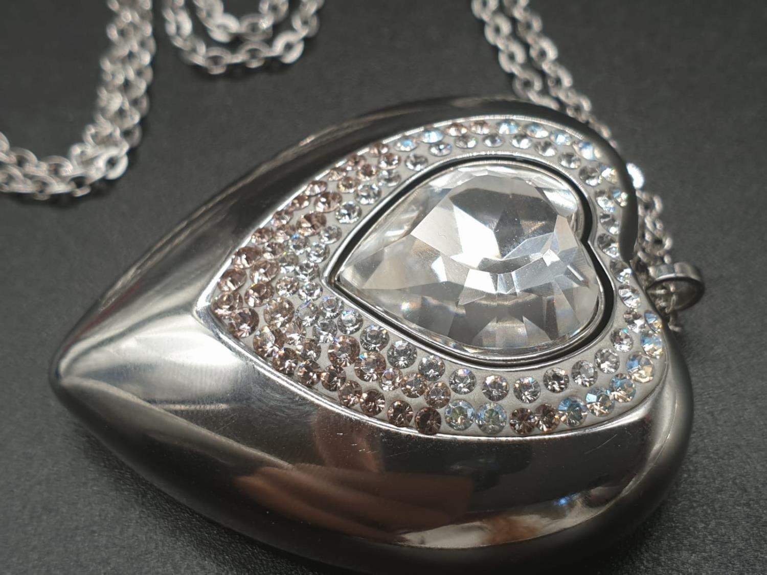 Swarovski Women's Metallic Active Crystal Heart-Shaped Pendant with built-in 8GB USB. 76cm As new, - Image 3 of 10