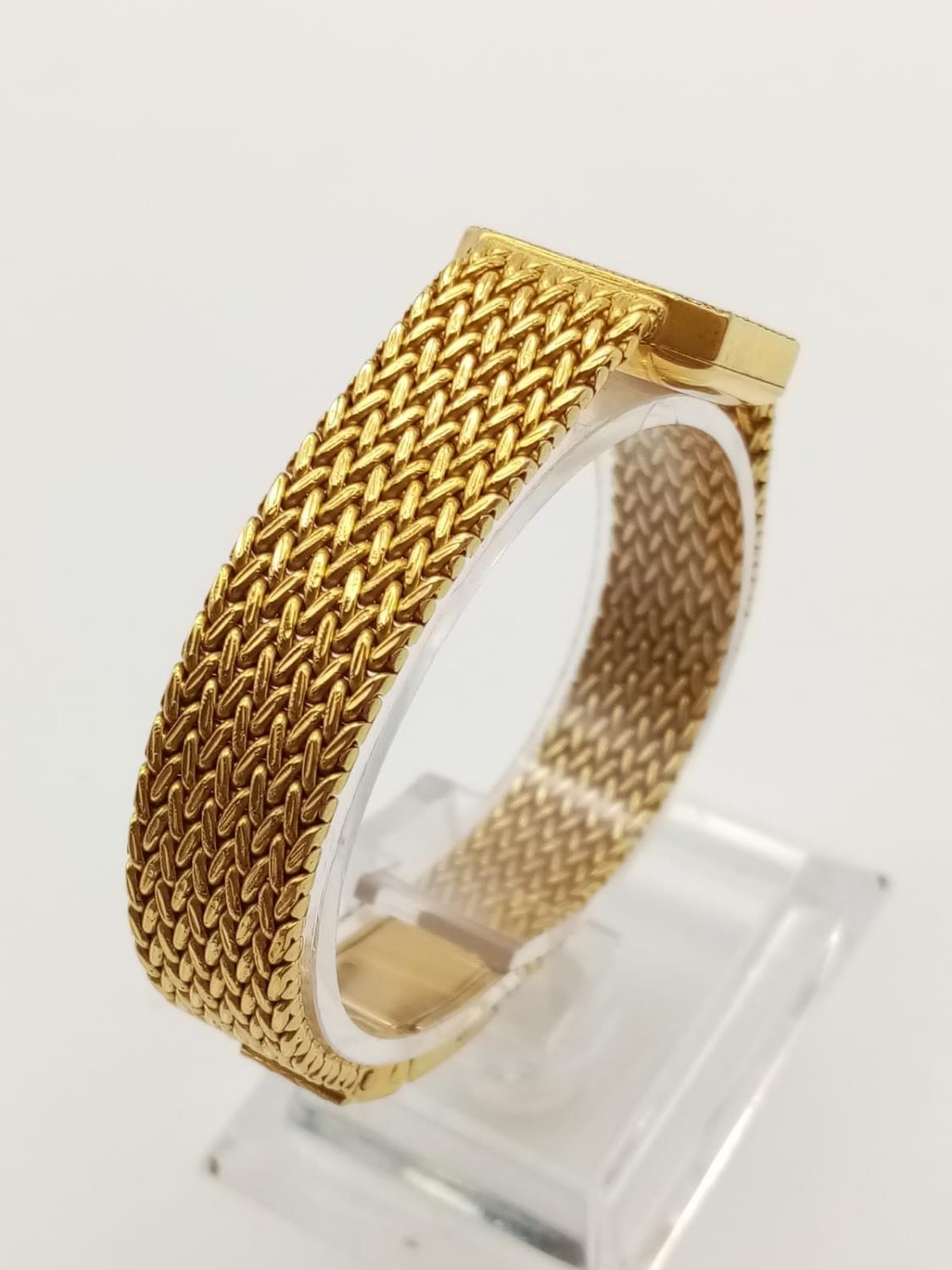 18K GOLD DRESS WATCH BY CHOPARD OF GENEVA WITH DIAMOND BEZEL AND SOLID GOLD STRAP. 20MM - Image 3 of 9