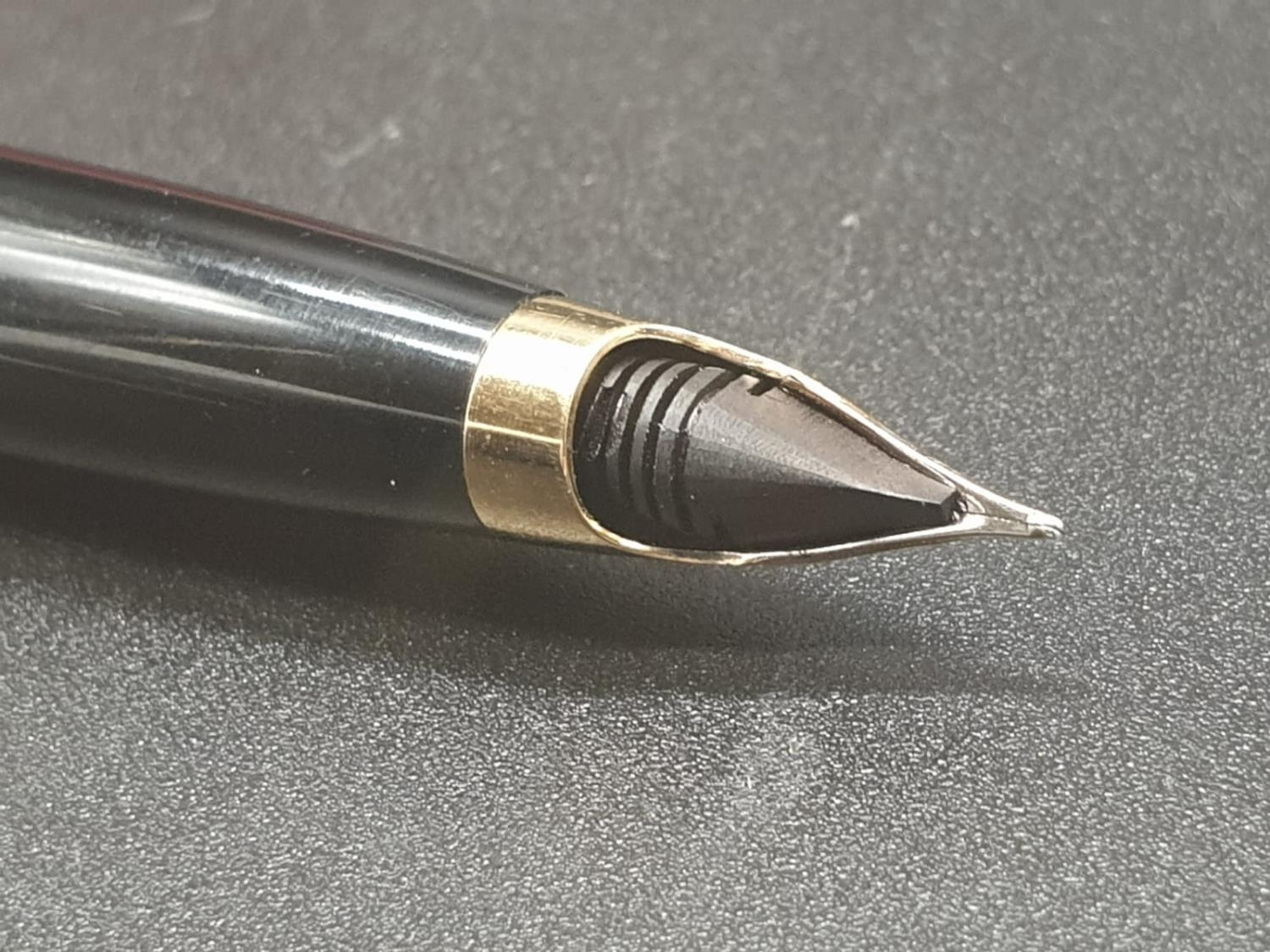 A 60?s vintage Lady Sheaffer fountain pen and mechanical pencil in excellent condition, in the - Image 6 of 11