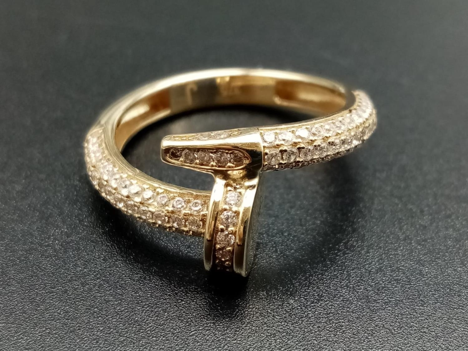 9CT YELLOW GOLD CZ SET CARTIER STYLE RING, WEIGHT 3.9G SIZE P1/2