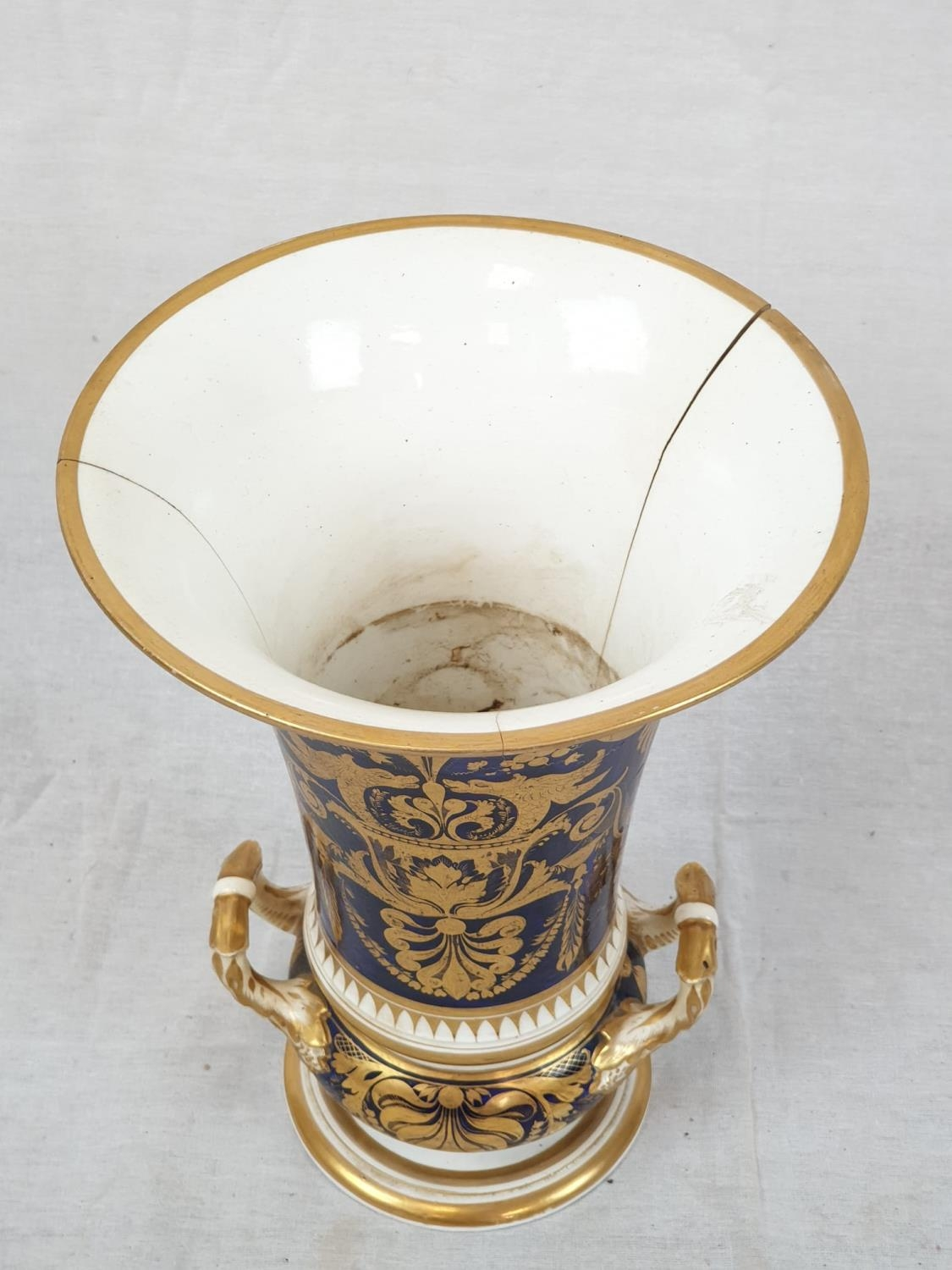 Royal Derby (Crown): In Spain Vase. Spanish 1830. Beautifully Decorated but damaged firing cracks. - Image 3 of 11