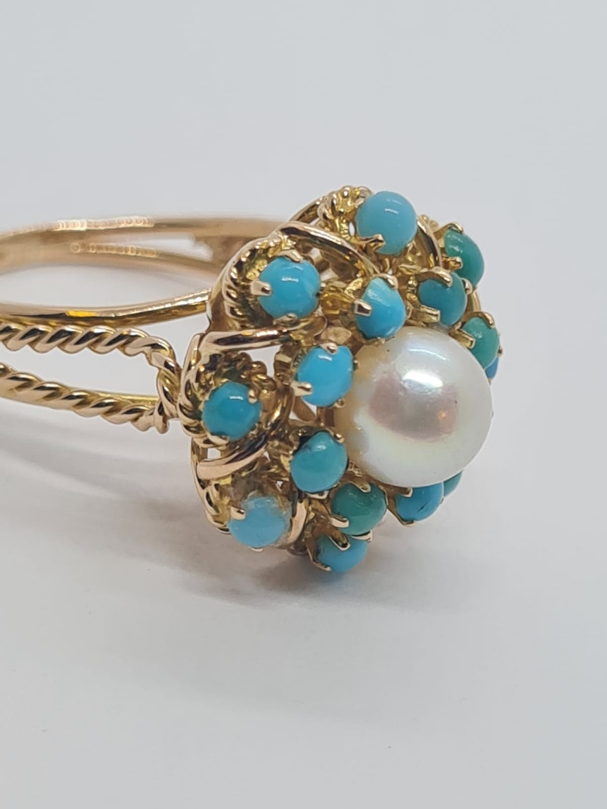 18k yellow gold TURQUISE AND PEARL CLUSTER RING, weight 5.3g and size J1/2 - Image 2 of 8