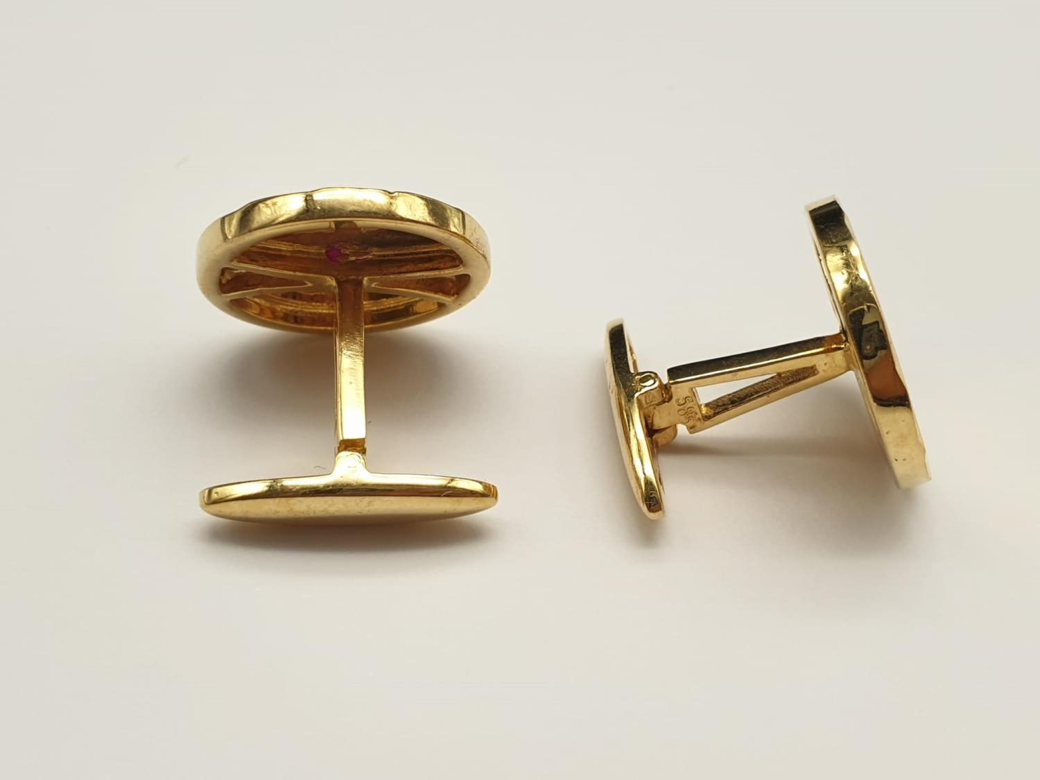 A Pair of 14k Yellow Gold and Ruby Cufflinks. 11.83g - Image 3 of 5