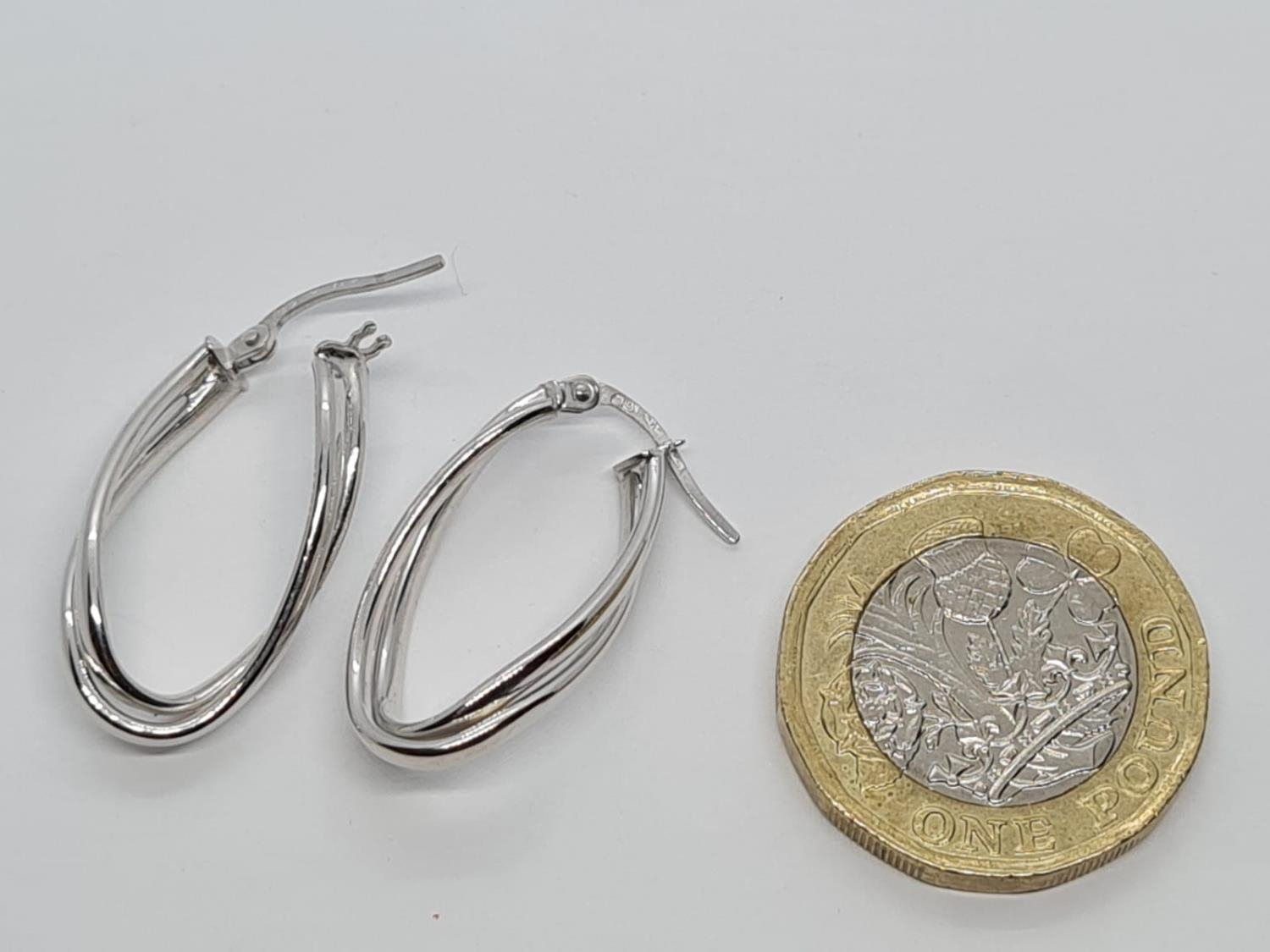 PAIR OF 9K WHITE GOLD CREOLE TWIST EARRINGS 1.5G - Image 3 of 3