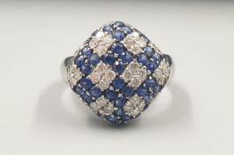 18K WHITE GOLD DIAMOND & SAPPHIRE SET FANCY CLUSTER RING, WEIGHT 6.7G AND 0.50CT DIAMONDS APPROX