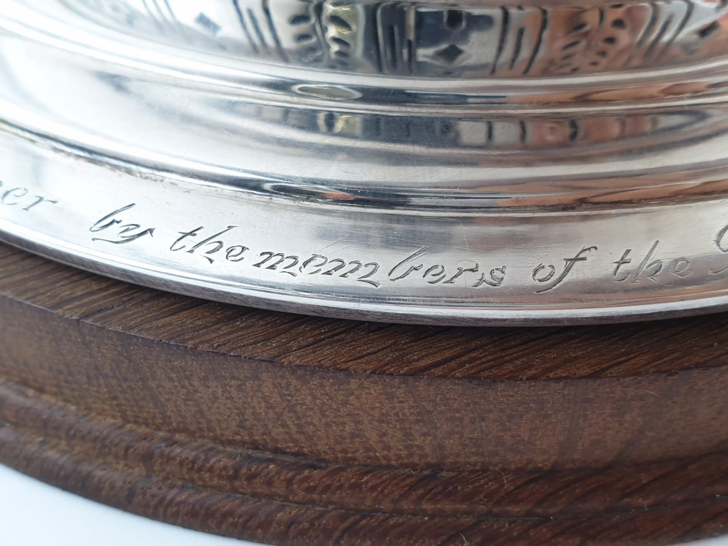 Mappin and Webb Silver Rose Bowl (1938). Pierced Decoration, Oak Stand and Wire Web Top. Inscription - Image 7 of 12