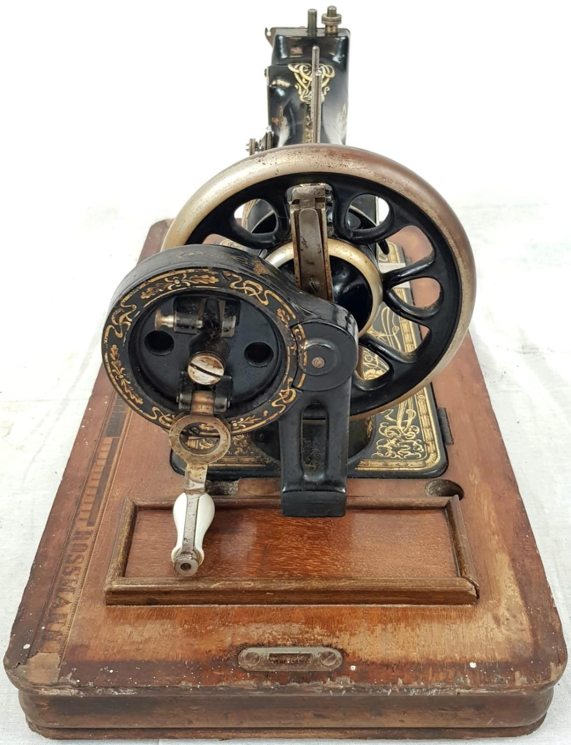 A FINELY DECORATED ANTIQUE SEWING MACHINE IN WOODEN CARRYING CASE MADE BY FRISTER AND ROSSMAN CICA - Image 4 of 5