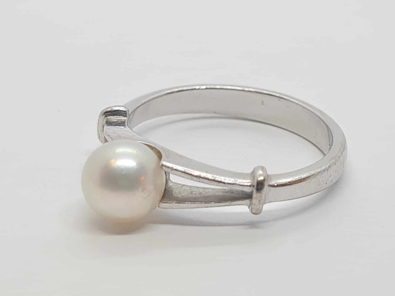 18k white gold PEARL Solitaire RING, weight 3.9G size M - Image 3 of 4