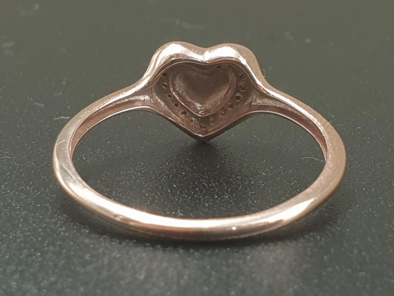 9K ROSE GOLD DIAMOND SET HEART RING WEIGHT 1.3G SIZE N - Image 4 of 6