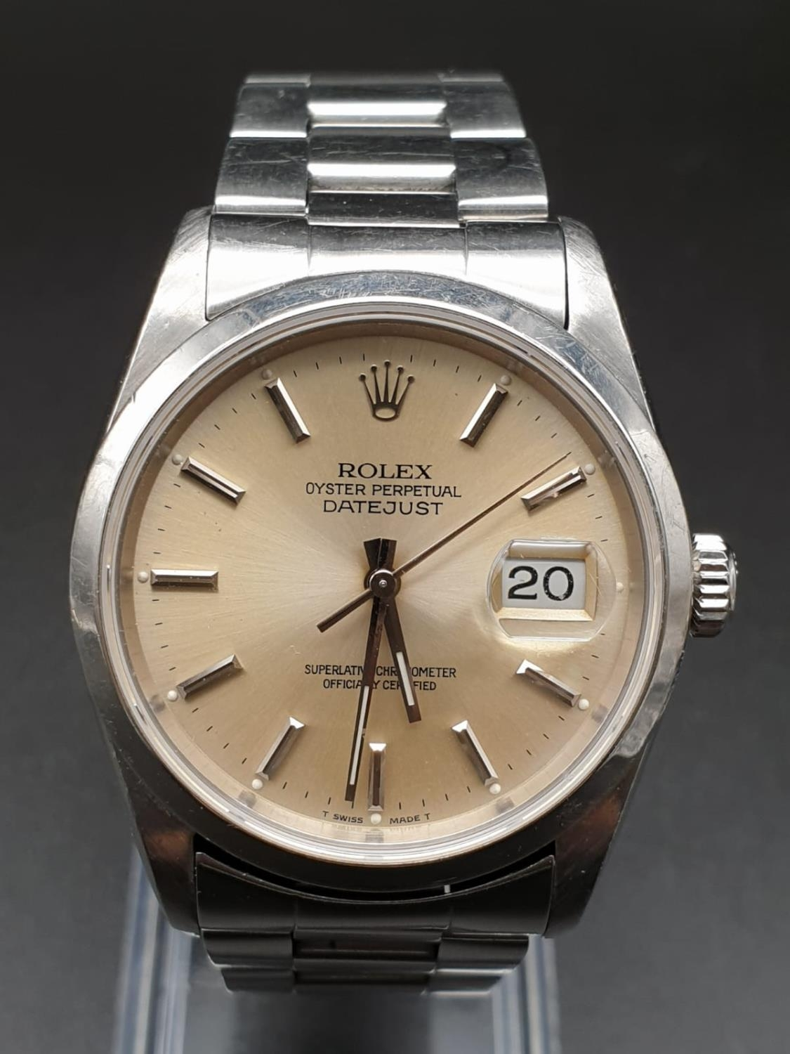 ROLEX OYSTER DATEJUST IN STAINLESS STEEL WITH ATTRACTIVE LIGHT OYSTER FACE, FWO 36MM