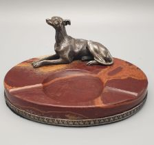 19th century Russian antique silver and hardstone hound ashtray. 984gms 16 x 12.5cms