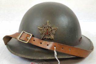Private Purchase WW1 Officers Brodie Helmet. Badged to the Guards Machine Gun Regiment. Extremely