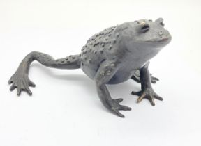BRONZE FROG SIGNED BY DIDO. 496gms 7cms tall