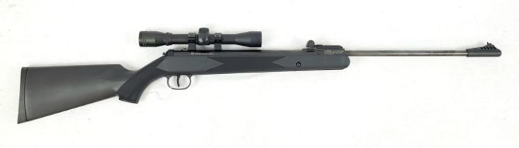 Excellent condition Ruger Black Hawk .177 Calibre Air Rifle Composite Nylon Stock with Ruger. 4 x 32