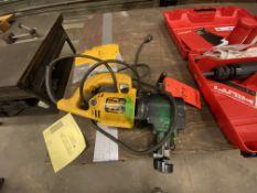 DeWalt MN DW899 8 gauge nibbler with assorted tooling