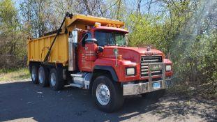 2000 MACK RD688S Dump Truck, triaxle, 282,068 miles, 25,680 hours, VN 1M2P324C9YM053284