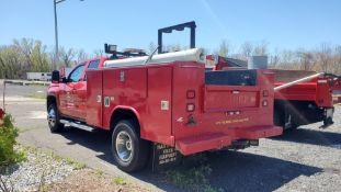 2015 GMC Sierra 3500 utility body truck, Reading multi-compartment utility body, 43,513 miles