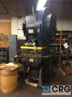 Danly 60:ton press with air clutch, sn 6051960163, 3 1/2 inch stroke, 13 1/2 inch shut height,