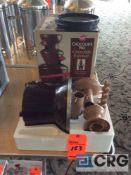Wilton 4 lb capacity chocolate fountain, 1 phase